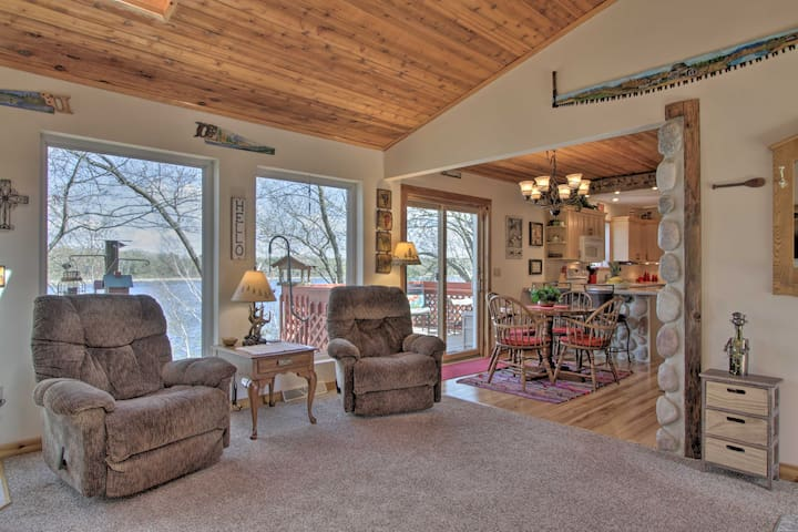 NEW! Airy Cottage w/Dock & Views on Buffalo Lake!