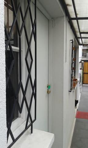 Lugar céntrico, Metro Pedro de Valdivia - Providencia - Casa
