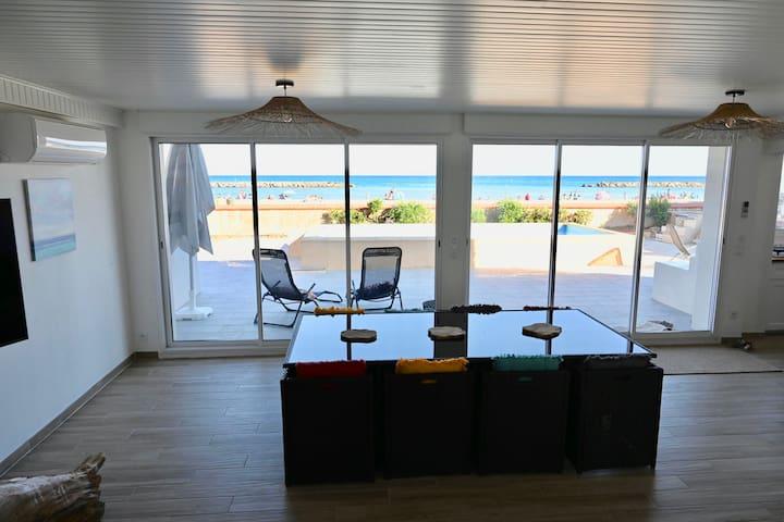 Magnifique villa front de mer
