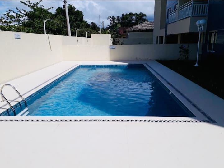 Apto no Cantão do Indaiá, com piscina próx praia