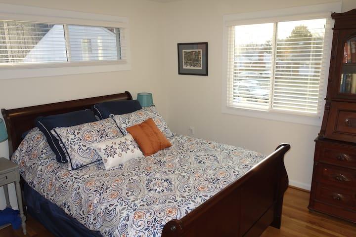 Single Room Southern Comfort