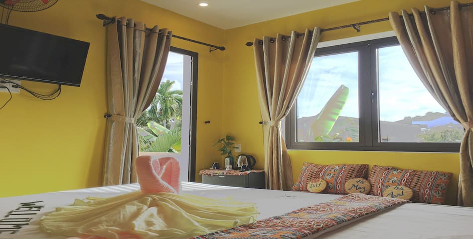Longan Homestay-deluxe double Ad:1/2 hung vuong st