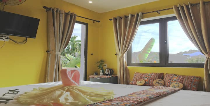 Longan Homestay-deluxe double.Ad:1/2 Hung Vuong st