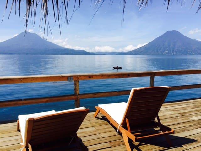 Casa de Larry, Lakefront Villa, Palapa/Deck - Santa Cruz la Laguna - Talo