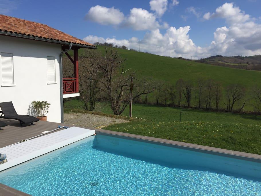 Villa avec piscine au pays basque maisons louer for Location villa pays basque avec piscine