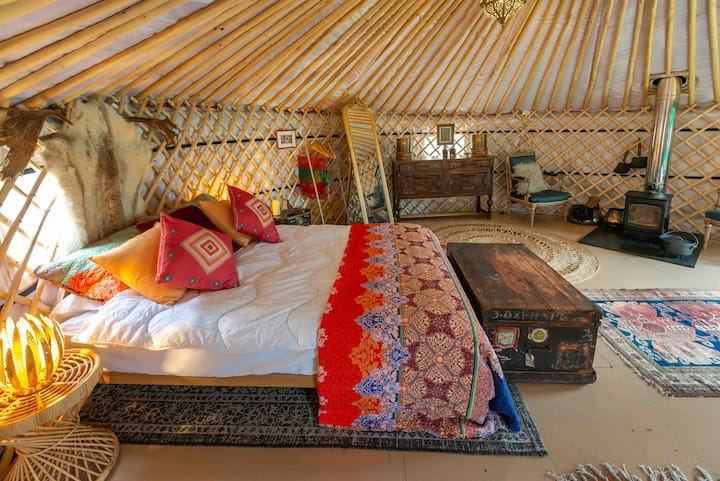 Garden House Sussex. The Yurt, country glamping