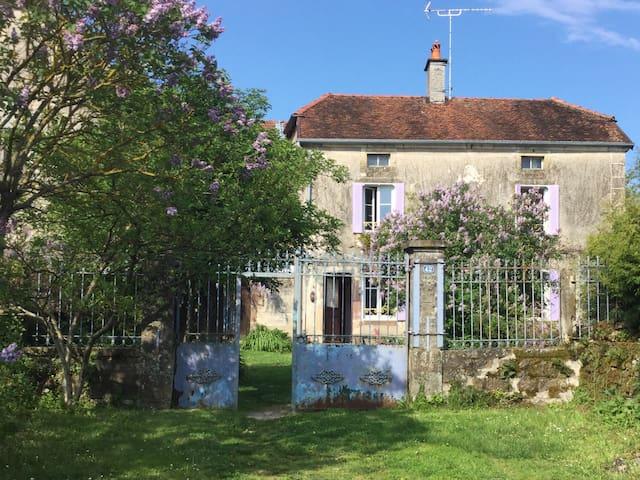 Maison de caractère dans village