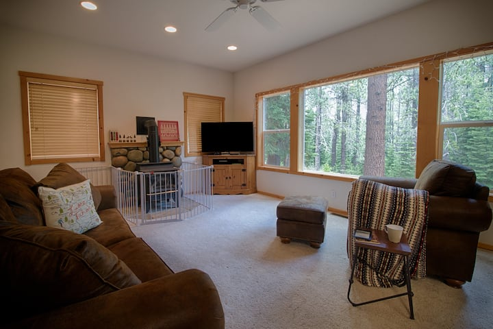 Home with tranquil view of the forest