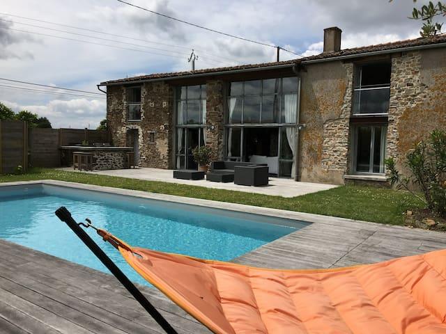 MAISON FAMILLIALE D'ARCHITECTE A CHAMPTOCEAUX - Champtoceaux - Dům