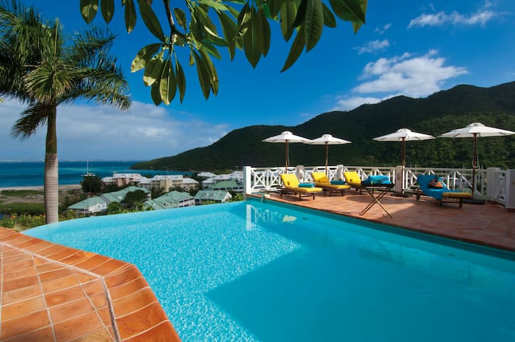 Casa Branca - Ideal for Couples and Families, Beautiful Pool and Beach - Anse Marcel - Villa