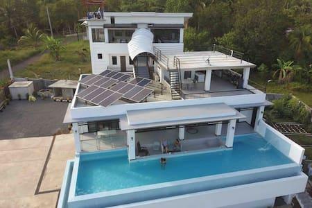 Expat Studio at Villa Simoy