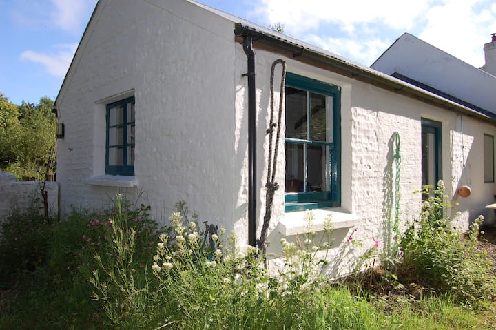Cosy farmhouse retreat, Pembrokeshire Coast