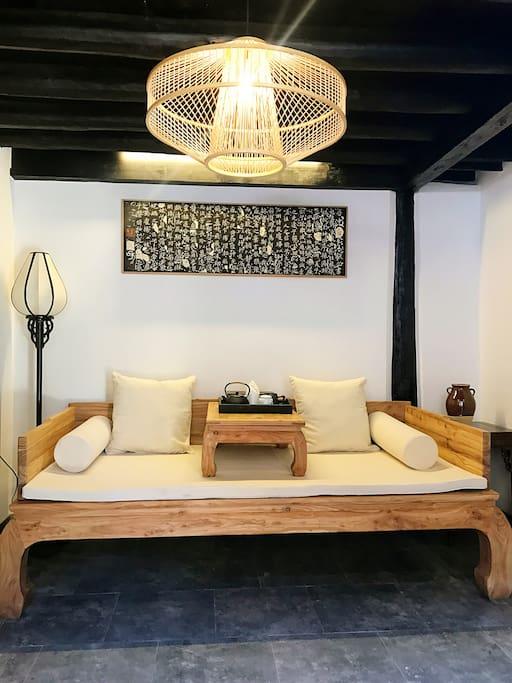 羽字房客厅茶台罗汉床