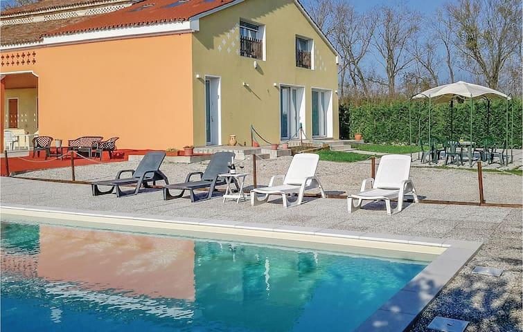 Semi-Detached with 4 bedrooms on 260m² in Codevigo -PD-