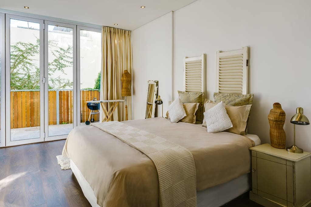 Bedroom with a partial Seaview