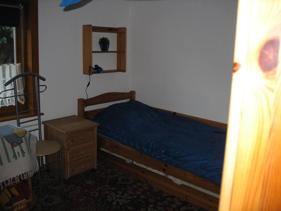 Schlafzimmer 2  mit 2 Einzelbetten im 1. OG