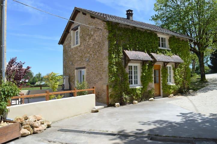 Aux Volets Bleus chez Mark & Sylvie - Rouffignac-Saint-Cernin-de-Reilhac - Casa