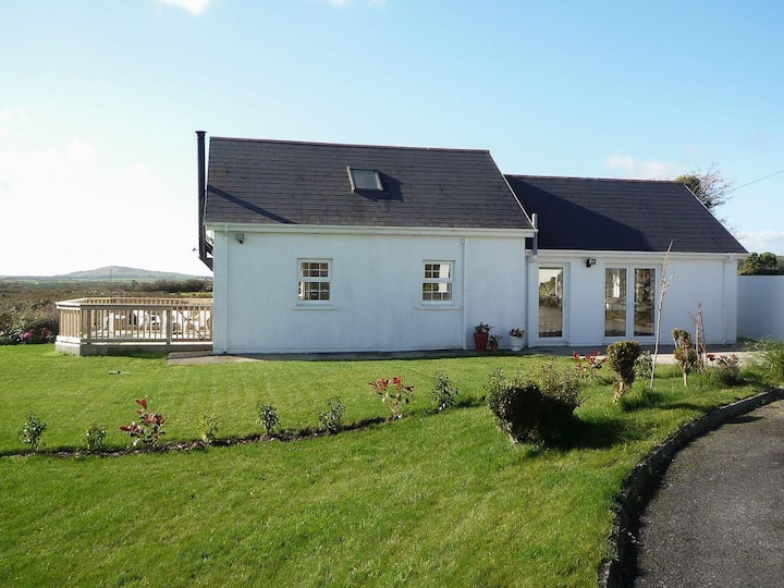 The White Cottage (W32288)