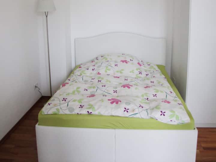 Serviced Apartments Xanthurus, (Schwelm), Appartement 20qm, Wohn-/Schlafbereich, max. 2 Personen