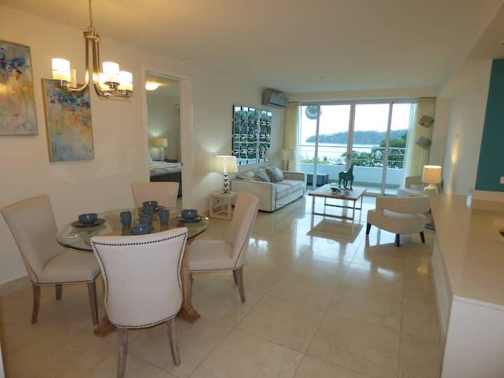 Unique Apartment Beachfront SPECIAL RENTAL PRICE