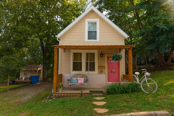 Katelynn's Place. Shabby Chic, Tiny Cottage!
