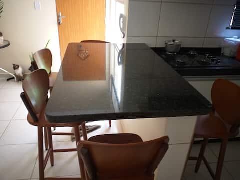 Compartilhamento de residência em apartamento.