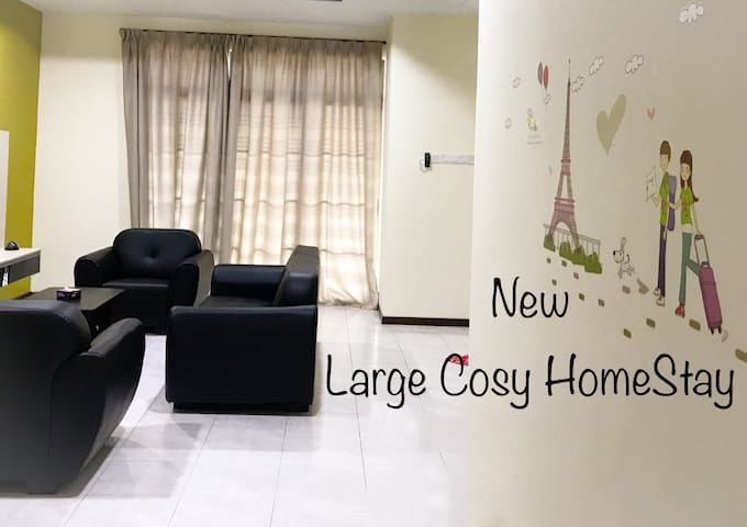ChriZ's New Large Cosy Home Space @Skudai