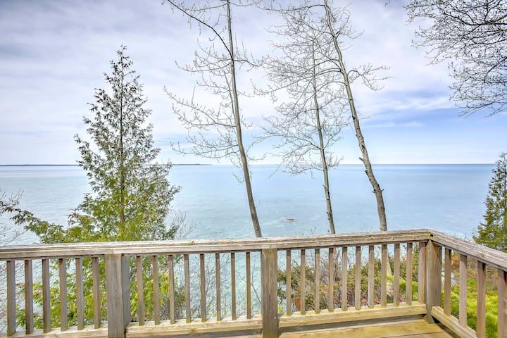 Gorgeous Charlevoix Home on Lake Michigan!