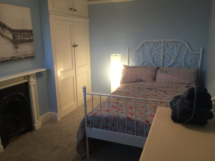 Lovely double room in the heart of the city.