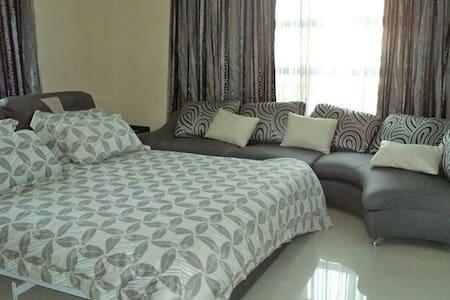Executive suite - Dar es Salaam - Bed & Breakfast
