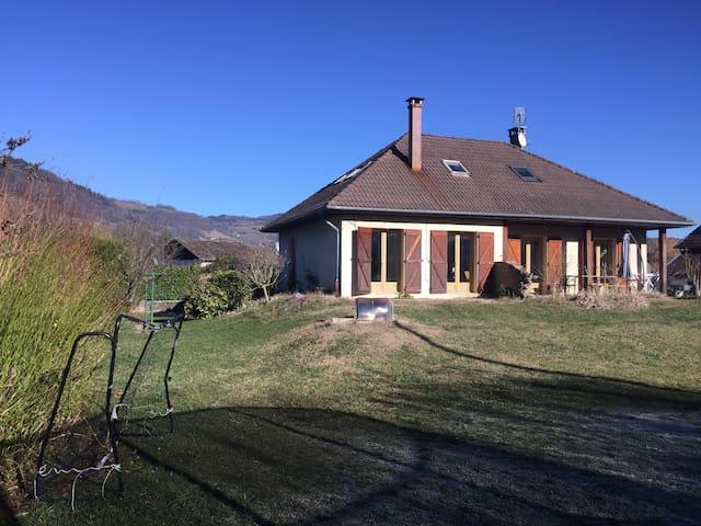 Maison familiale au Coeur de la Chartreuse - Saint-Étienne-de-Crossey - บ้าน