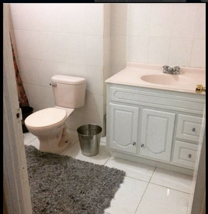 Private bathroom in Double Room.