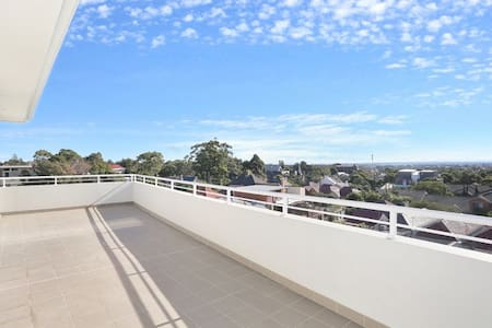 City View Penthouse - Petersham - Appartement
