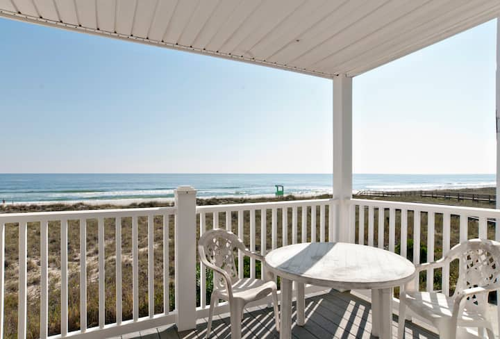 Madrid-Walk to the boardwalk from your oceanfront condo with private beach access