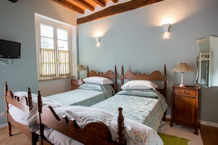 One km from Torrechiara Castle - Bed & Breakfast