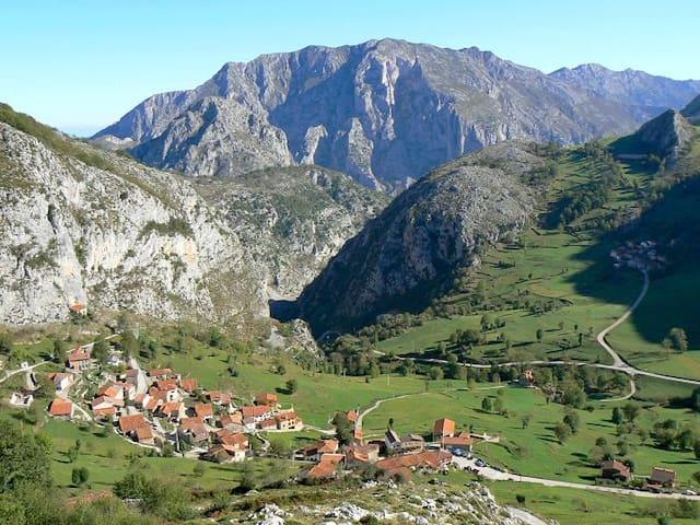 Bejes. Picos de Europa. La Resplenda. 5 pax