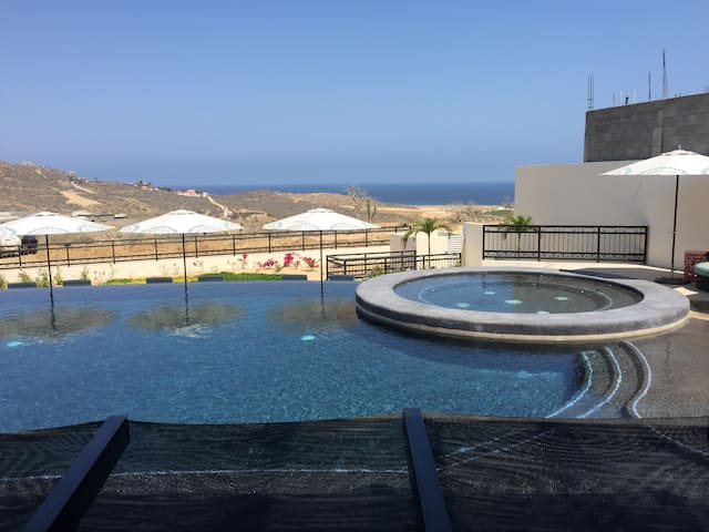 The Copala clubhouse hot tub is so warm and relaxing!
