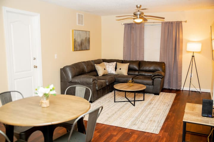Spacious condo - great for a Tallahassee getaway!