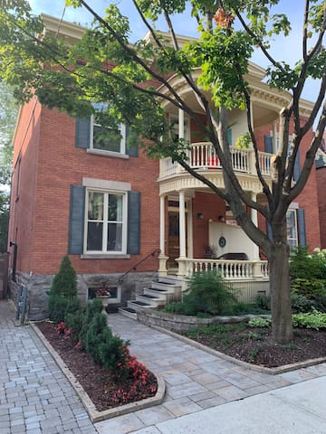 Elegant Edwardian Home in Town Centre