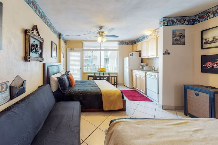 Cozy, waterfront studio w/ a balcony, ocean view, shared pools, & beach access