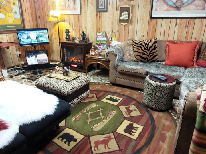 SLC,  The Bear Cave.  Cozy Kids friendly Space.