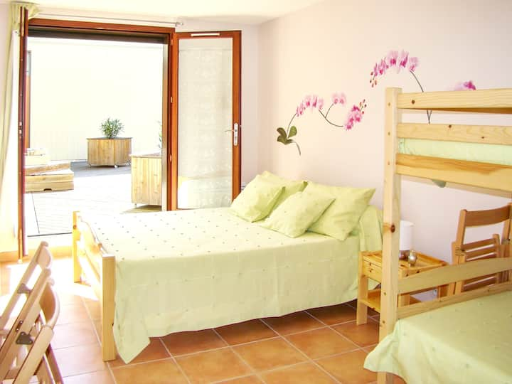 Apartment with one bedroom in Fayet, with wonderful mountain view, enclosed garden and WiFi - 84 km from the beach