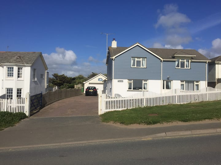 Beach House, Widemouth Bay, Cornwall, Sea Views!