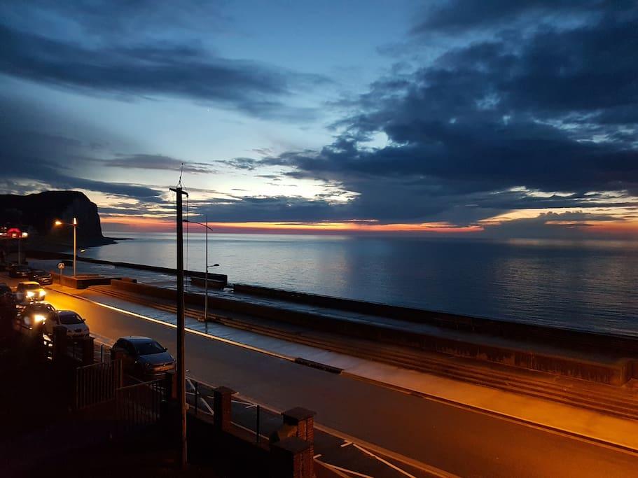 Très beau coucher de soleil vue du balcon