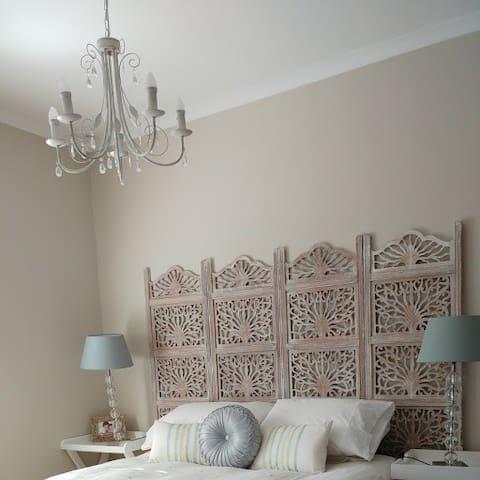 Luxurious room en suite in Durbanville.
