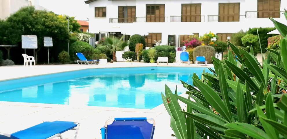 Xenia's Apartment - Margarita Gardens