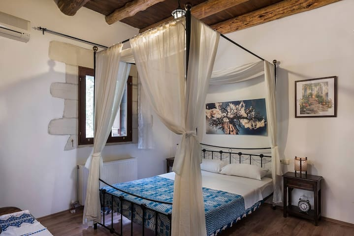 Bedroom - Villa Aloni