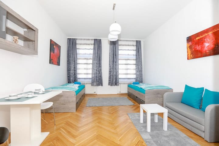 Room in modern apartment (Room No. 1)