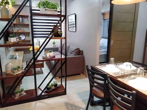 Cozy Modern Condo w/ Kitchen + Free Wifi