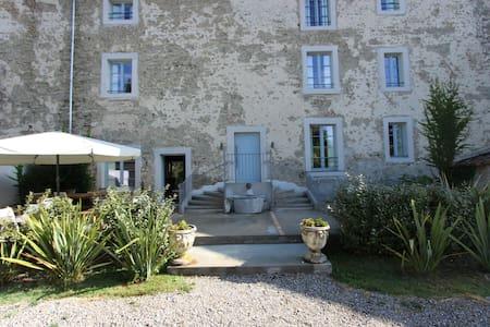Le Grenier Occitan : suite familiale